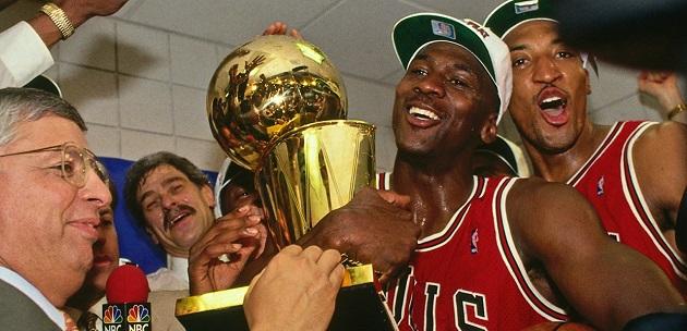 Michael Jordan rời Chicago Bulls và những tương đồng với vụ Messi - Barca - Bóng Đá