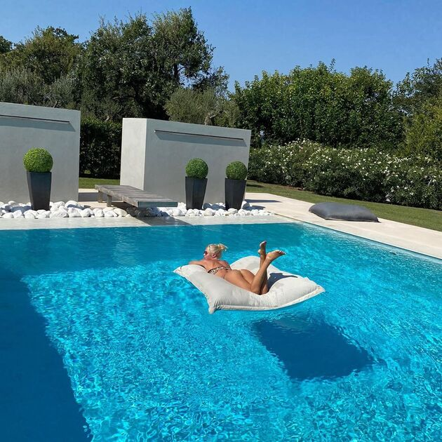 This is the mansion that Maxi López moved to with his Swedish girlfriend: a lot of luxury and a view of the Adriatic Sea - Bóng Đá