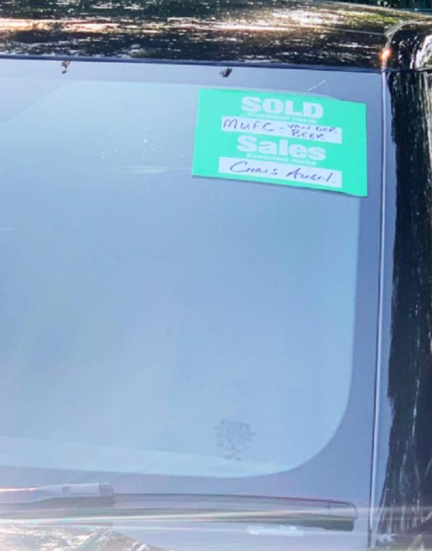 The Sun presents a very expensive new car from Donny van de Beek - Bóng Đá