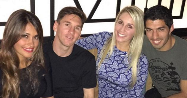 Messi's wife greets Luis Suarez's partner: