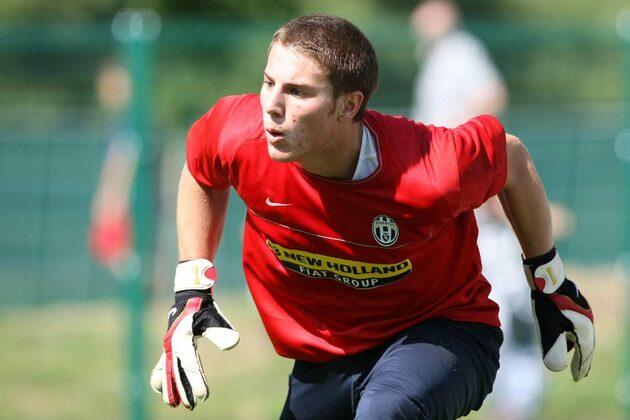 Sara Croce: after the no to Ronaldo, the Bonas di Bonolis found love with an ex-Juve goalkeeper - Bóng Đá