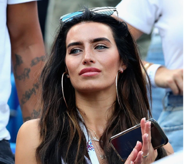 STILL SPARKLING Kyle Walker's fiancee Annie Kilner still wearing engagement ring as she's seen for the first time since fling revealed - Bóng Đá