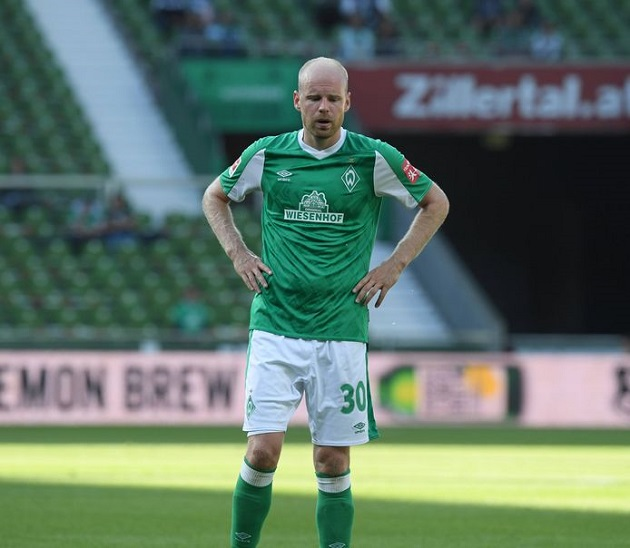 Ajax place €12 million bid for Klaassen - Bóng Đá