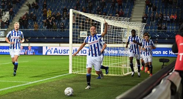 Heerenveen bất bại - Bóng Đá
