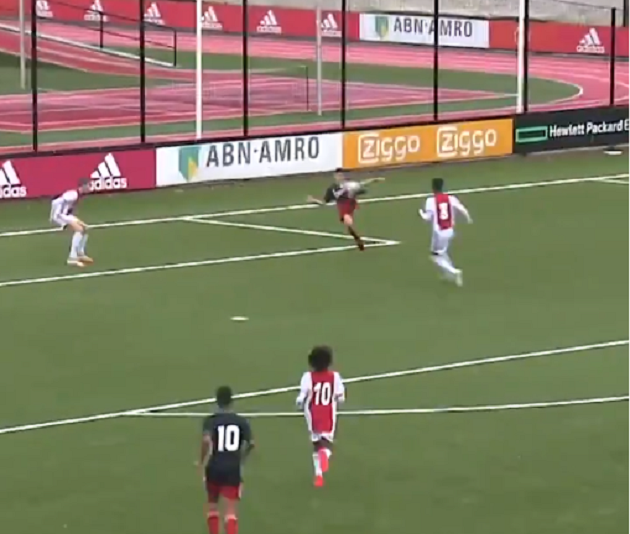 World goal Shaqueel van Persie (13) against Ajax Under-15 !!! - Bóng Đá