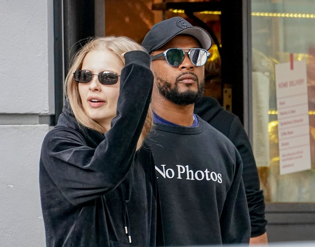 Married footballer Patrice Evra shares a steamy kiss with model girlfriend Margaux Alexandra after they were spotted on romantic lunch date - Bóng Đá