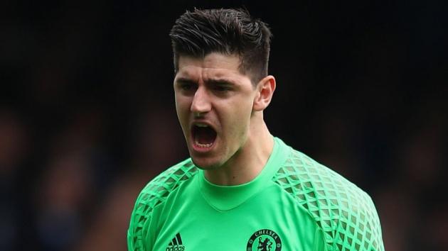 Chelsea sẵn sàng bán Courrtois và rước Alisson về thay thế - Bóng Đá
