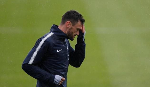 Deschamps bảo vệ thủ môn Loris sau 2 sai lầm ngớ ngẩn - Bóng Đá