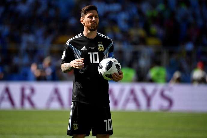 Gerrard nói lời thẳng thắn về Ronaldo và Messi - Bóng Đá
