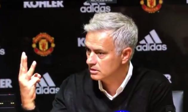 Mourinho 'phát điên' trong buổi họp báo sau thất bại trước Tottenham - Bóng Đá