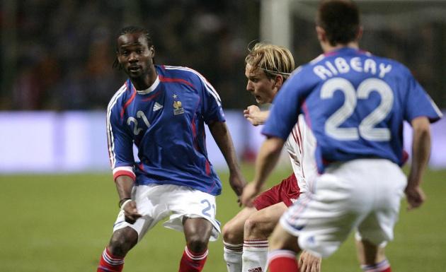 13 cầu thủ bạn sẽ không ngờ họ lại từng khoác áo Les Bleus - Bóng Đá