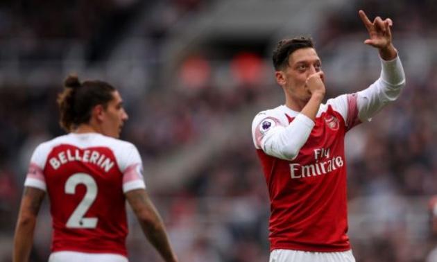 NÓNG: Đã rõ ý định chuyển nhượng Ozil của Mourinho - Bóng Đá