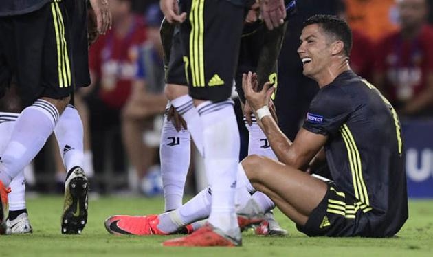 Bạn đã hiểu vì sao Ronaldo bật khóc nức nở chưa? - Bóng Đá