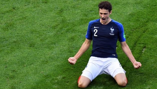 Nóng! Barca muốn ký hợp đồng với đồng đội của Umtiti trên tuyển Pháp - Bóng Đá