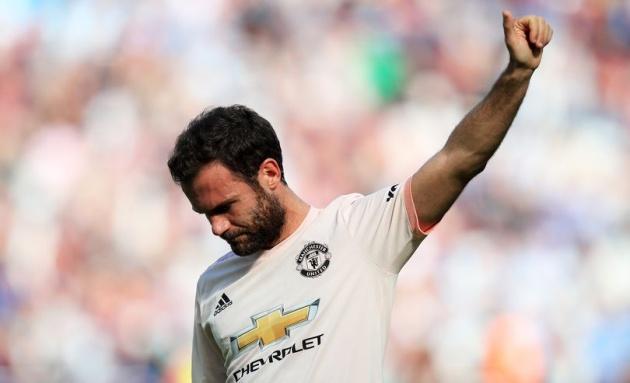 Sao Man Utd dùng 64 từ để tiết lộ không khí trong phòng thay đồ - Bóng Đá