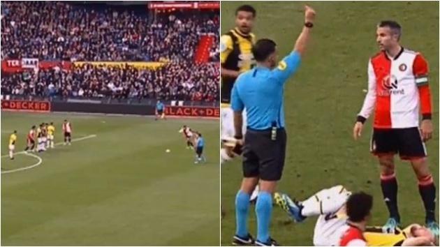 Cựu sao Man Utd tái hiện siêu phẩm đá phạt và nhận thẻ đỏ trực tiếp - Bóng Đá