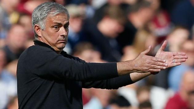Trong cơn bĩ cực, Mourinho nói điều bất ngờ về các học trò - Bóng Đá