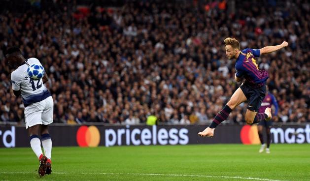 Rakitic xác lập cột mốc ấn tượng cho Barca với pha 'nã đại bác' - Bóng Đá