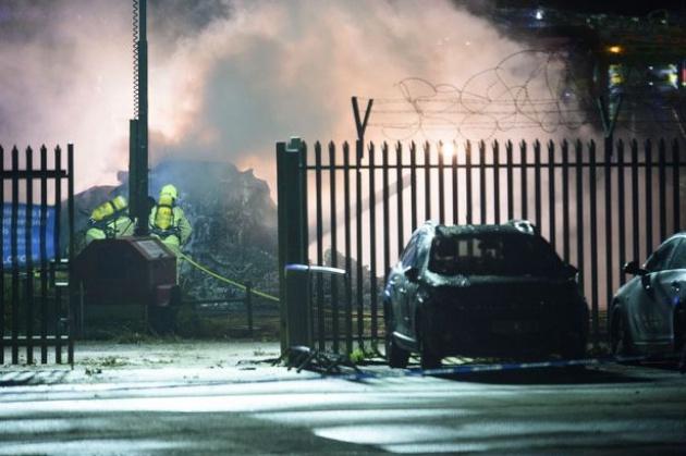 Chấn động! Trực thăng chở chủ tịch Leicester bất ngờ bốc cháy - Bóng Đá