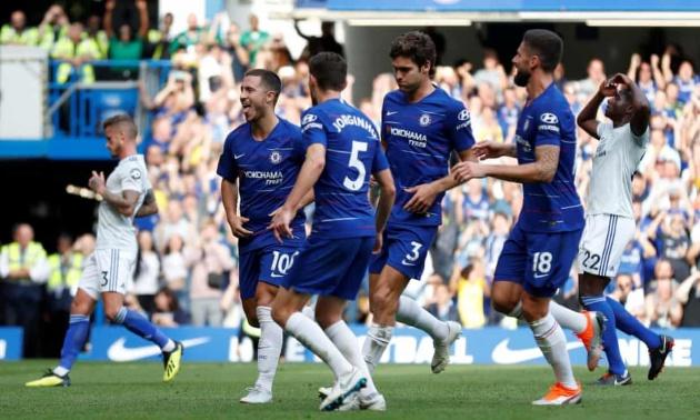 Jorginho đang tạo ra 'hai bộ mặt' của Chelsea dưới thời Sarri! - Bóng Đá