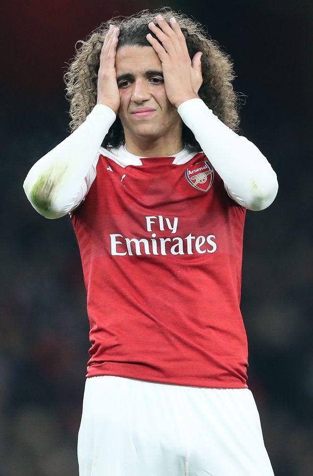 Welbeck gập cổ chân, sao Arsenal tái hiện ám ảnh kinh hoàng vụ Smith - Bóng Đá