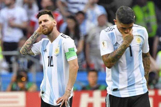 HLV Argentina không biết khi nào Messi mới trở lại - Bóng Đá