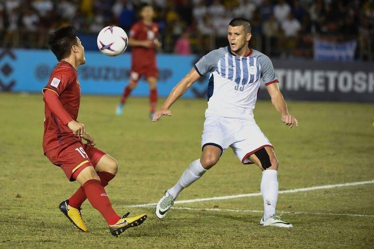 NHM Đông Nam Á giận dữ chỉ trích Philippines đá như Stoke City - Bóng Đá
