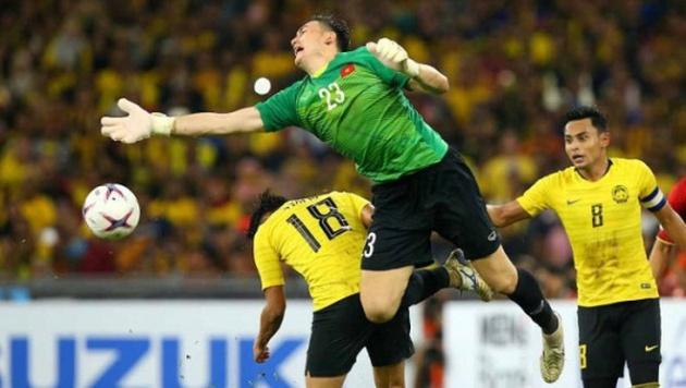 Fox Sports chọn đội hình tiêu biểu AFF Cup: Cú sốc hàng phòng ngự! - Bóng Đá
