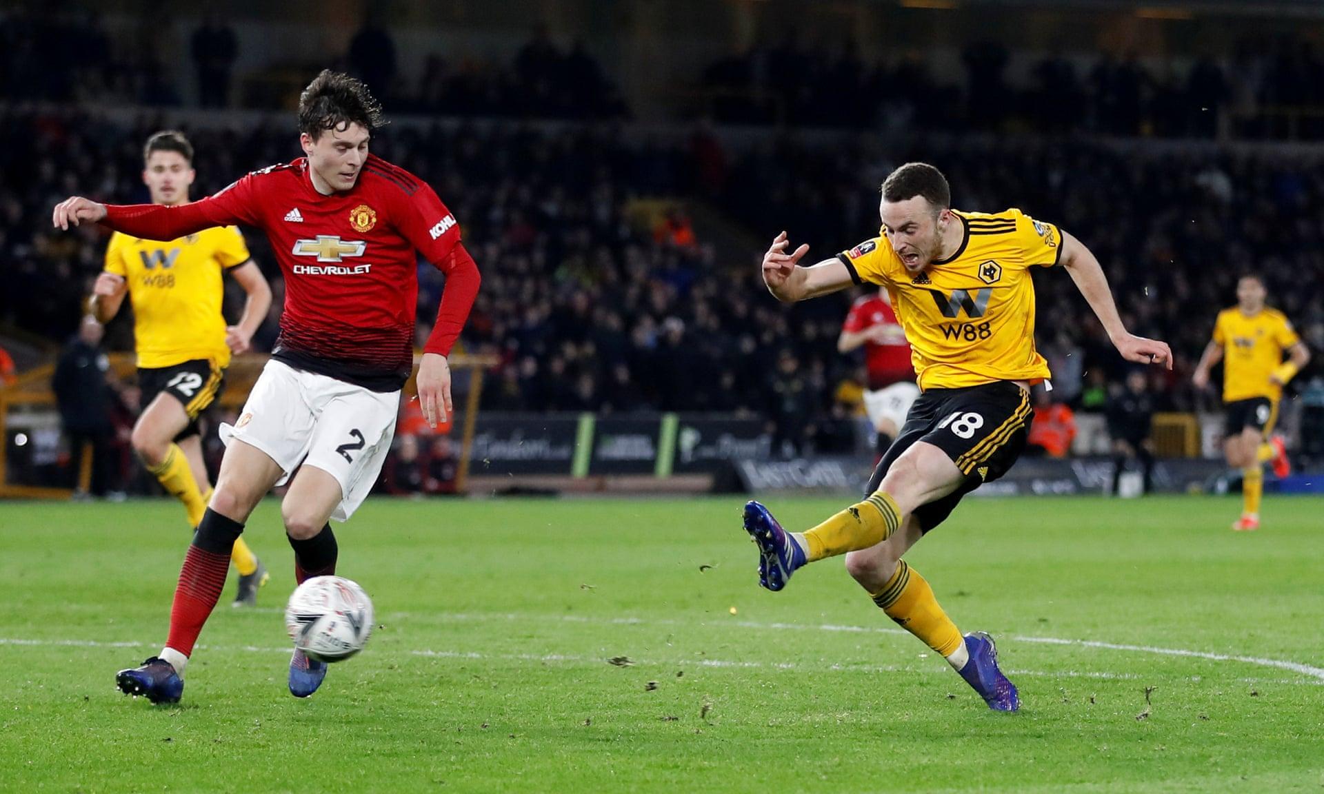 'Wolves tốt hơn nhiều so với Man Utd' - Bóng Đá