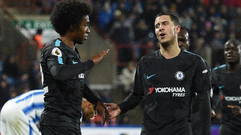Willian muốn ở lại Chelsea - Bóng Đá