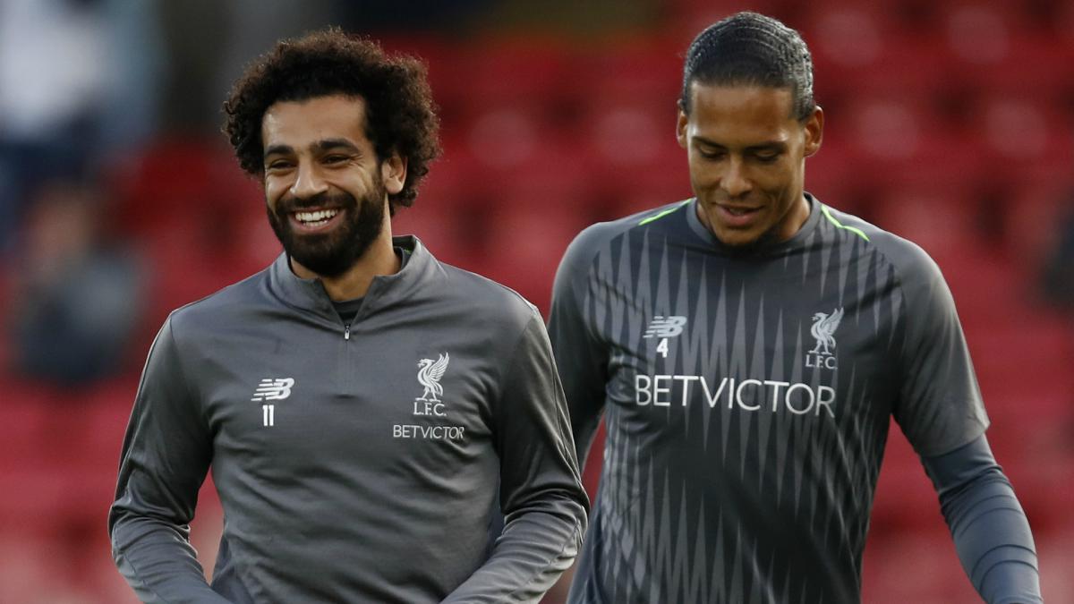 Salah đưa ra cảnh báo cho Van Dijk sau giải thưởng từ PFA - Bóng Đá