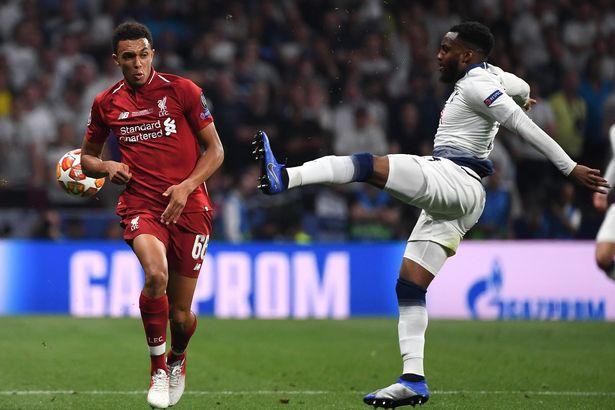 'Đã kiệt sức vì thua, tôi còn phải ngồi chung với mấy gã Liverpool' - Bóng Đá