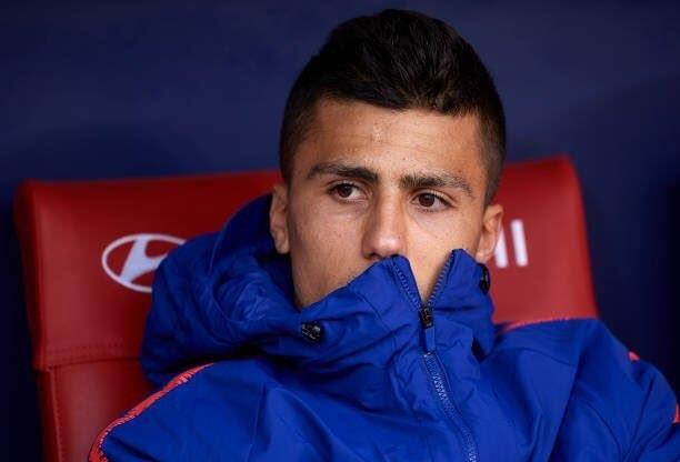 Manchester United are willing to match Manchester City and pay £62m Atlético Madrid midfielder Rodri - Bóng Đá