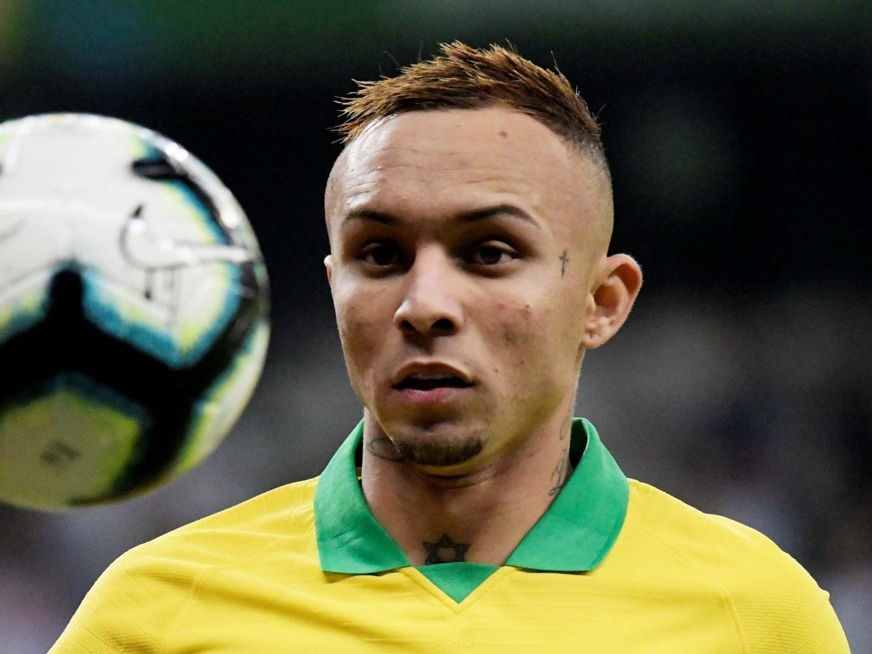 Arsenal hiện thực sự quan tâm tới Everton Soares (nguồn: Globo Esporte) - Bóng Đá