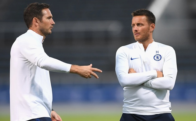 JOE EDWARDS ON HIS OWN CHELSEA JOURNEY AND HELPING YOUNGSTERS IMPRESS - Bóng Đá