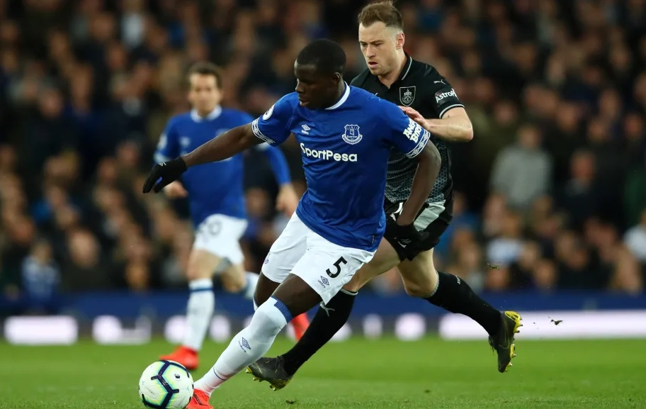 KURT ZOUMA ON CENTRE-BACK COMPETITIVENESS AND HIS IMPROVEMENT AT EVERTON - Bóng Đá