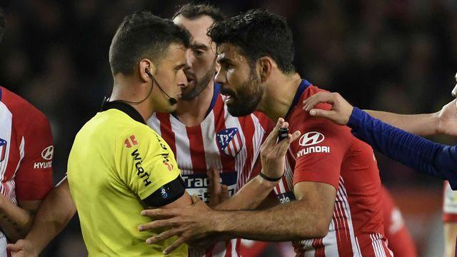 Costa ghi bàn và rời sân vì thẻ đỏ - Bóng Đá