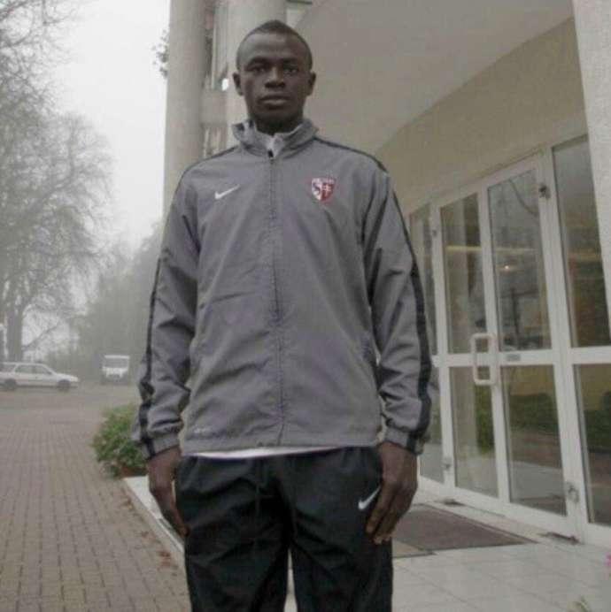 Câu chuyện đằng sau bức ảnh đầu tiên của Mane khi rời Senegal đến Metz - Bóng Đá