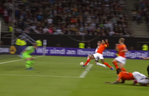 Thống kê không thể tin nổi của Van Dijk ở trận Đức 2-4 Hà Lan - Bóng Đá