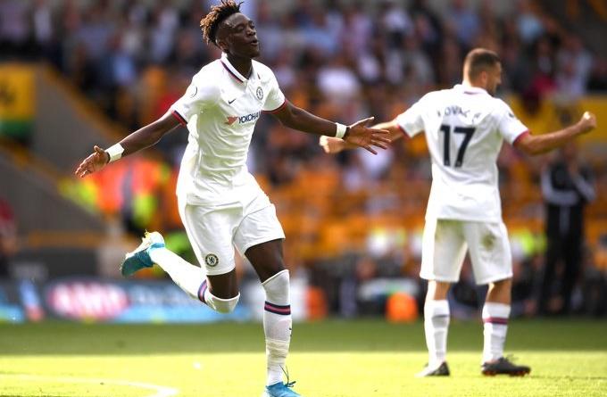 Ghi '4 bàn', Tammy Abraham đi vào lịch sử Chelsea lẫn Premier League - Bóng Đá