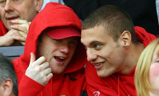 Vidic bắt đầu với Wayne Rooney. - Bóng Đá