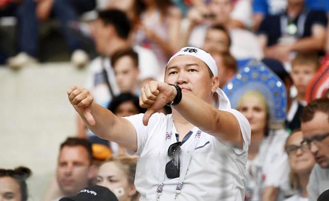 Chỉ trích Tiến Dũng, HLV Nishino đã quên những gì ở World Cup 2018 - Bóng Đá