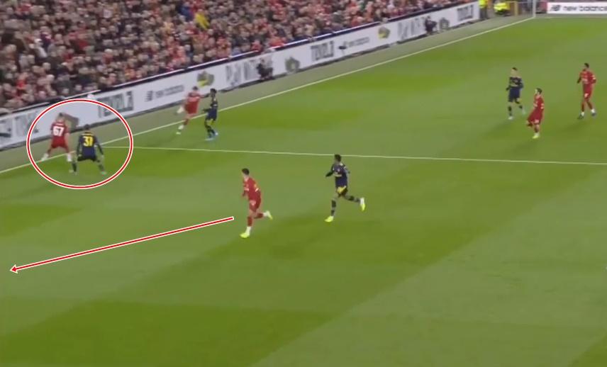 'Chamberlain đã làm điều đó đến 3 lần trước khi Arsenal thủng lưới' - Bóng Đá