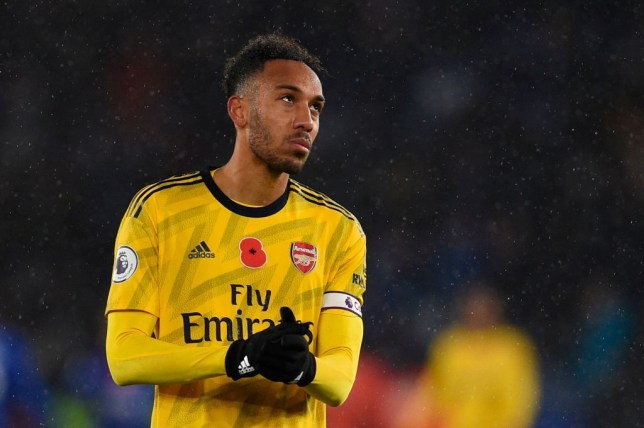 Arsenal dressing room have concerns over Unai Emery's decision to make Pierre-Emerick Aubameyang captain - Bóng Đá