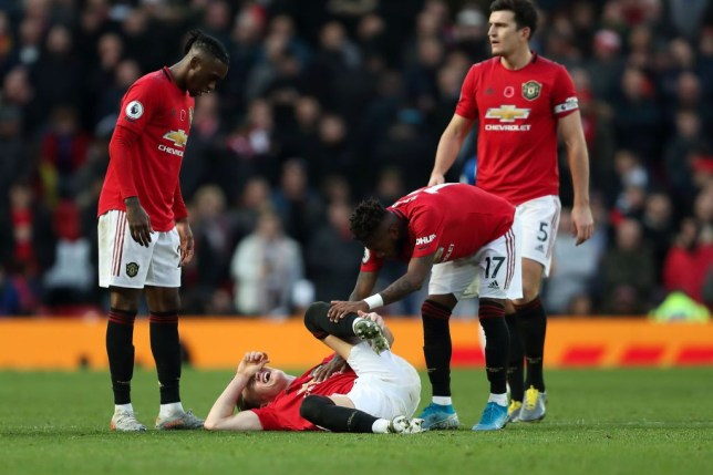 Manchester United fear Scott McTominay could be out for four weeks with suspected ankle ligament damage - Bóng Đá