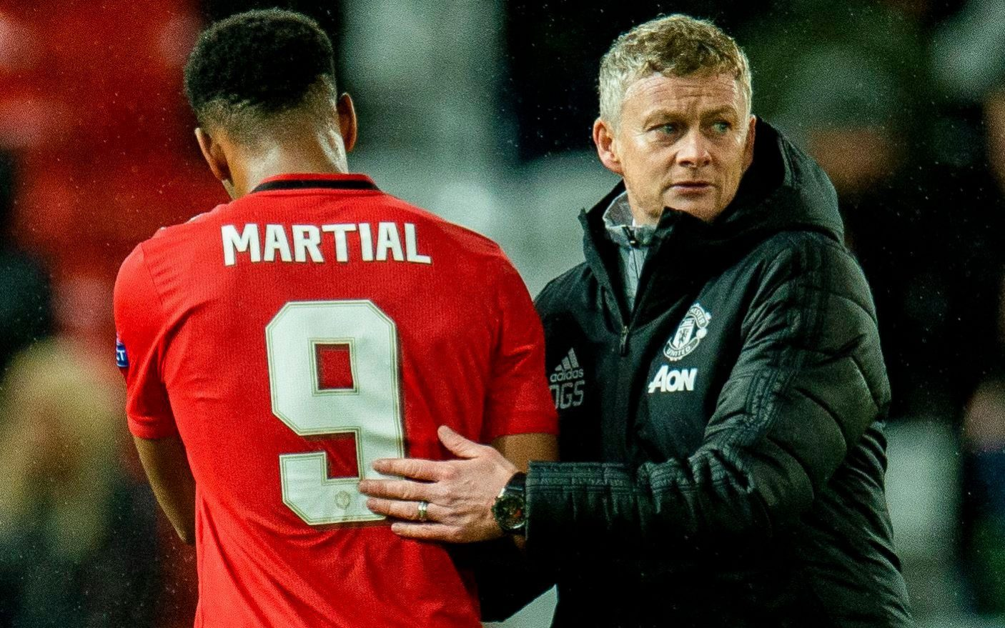 Solskjaer urges his young Manchester United stars not to be distracted by trappings of fame and fortune - Bóng Đá