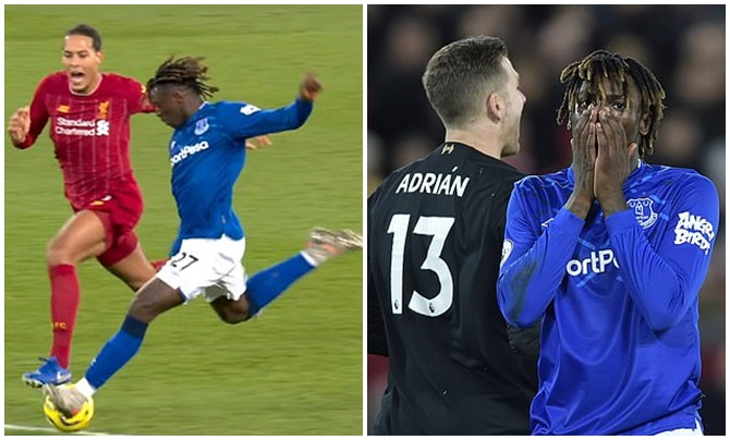 Virgil van Dijk shouted at Moise Kean in an attempt to put him off during Merseyside derby - Bóng Đá