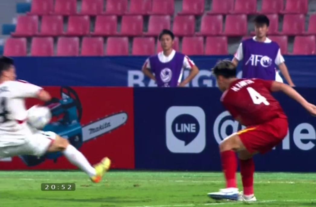 Vì sao trọng tài không cho U23 Việt Nam hưởng phạt đền? - Bóng Đá