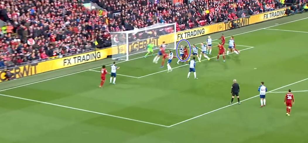 Bạn đã hiểu vì sao Maguire dễ dàng để Van Dijk hạ gục Man Utd? - Bóng Đá