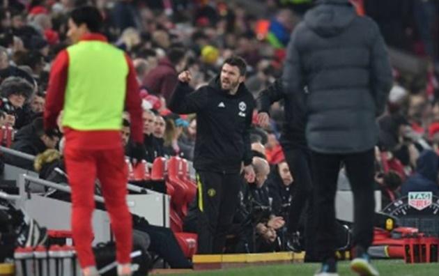 Carrick nổi điên vì điều gì ở trận Liverpool? - Bóng Đá